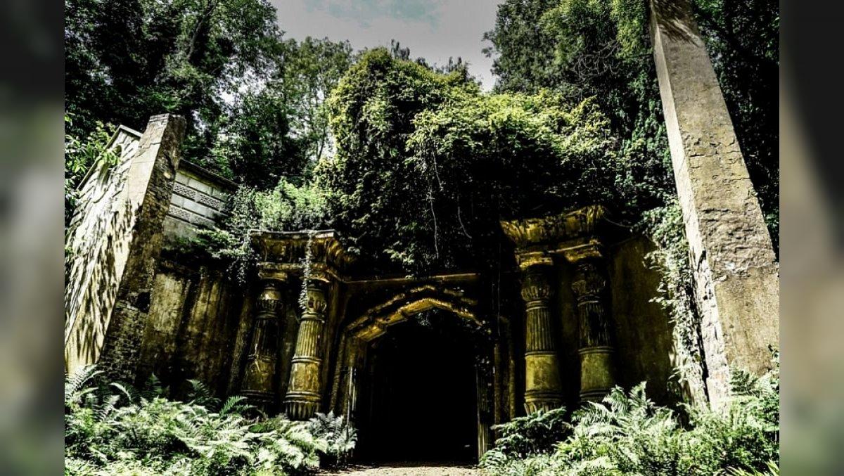 Wie Dark Souls: The Witcher Staffel 2 wird auf dem unheimlichen Friedhof gedreht, auf dem Karl Marx begraben liegt