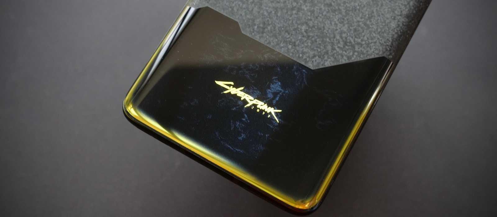 OnePlus 8T Cyberpunk 2077 Limited Edition Smartphone vor der Veröffentlichung ausgepackt (Fotos)