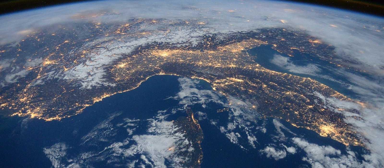 Vergessen Sie nicht den Folienhut: Flat Earth Simulator auf Steam veröffentlicht
