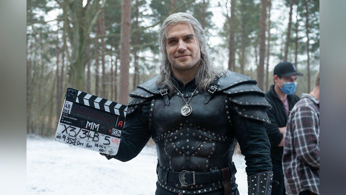 Die Autoren von The Witcher faszinierten die Fans mit ihrer Korrespondenz mit Netflix.  Sie haben ein mysteriöses Datum enthüllt
