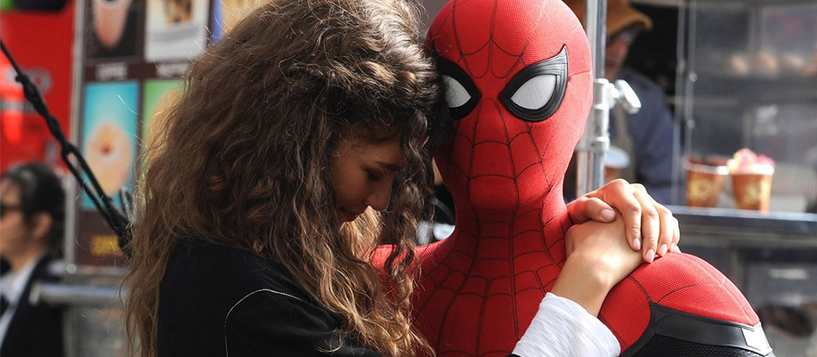 """Die ersten Poster zu """"Spider-Man: No Way Home"""" wurden in den Kinos aufgehängt, aber sie stellten sich als Fälschung heraus"""
